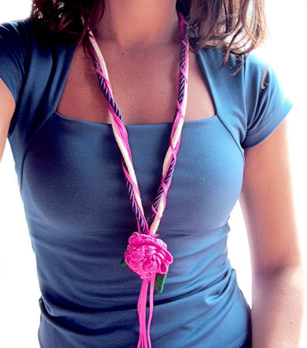 Artesanato De Natal Em Feltro Com Moldes ~ Aprenda como fazer um lindo colar artesanal (passo a passo) u2013 HAK u2013 Blog de Artesanato