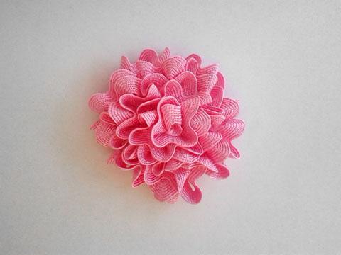 Modelo de flor alternativo para decorar o jogo de banheiro.