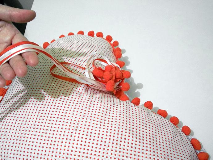 Almofada para o Dia dos Namorados confeccionada com produtos HAK Aviamentos - Passo 5